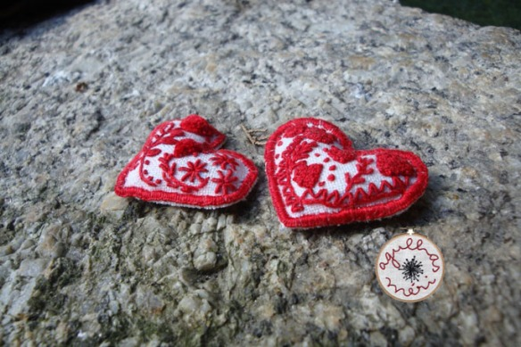 Guimarães Embroidery pins 1